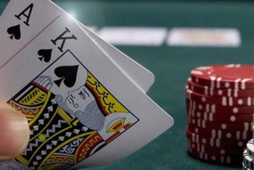 Play Online Poker and Earn Some Money
